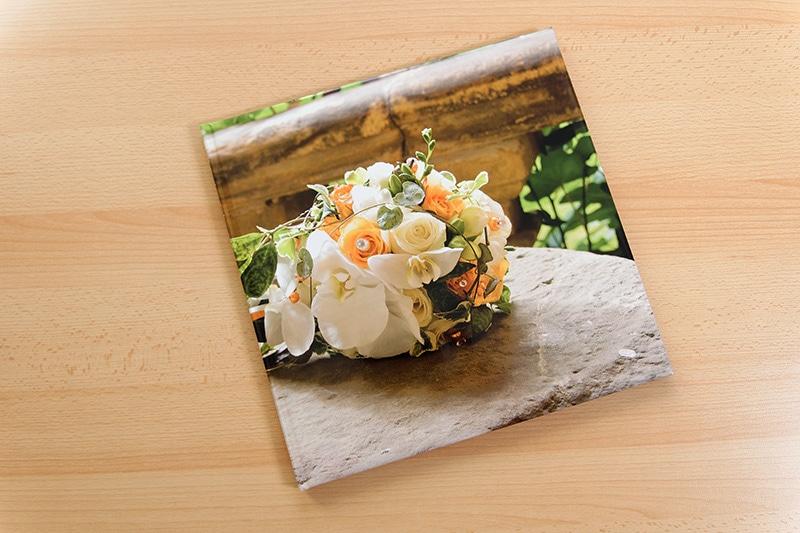 Bedrucktes Cover einer Fotobuchs