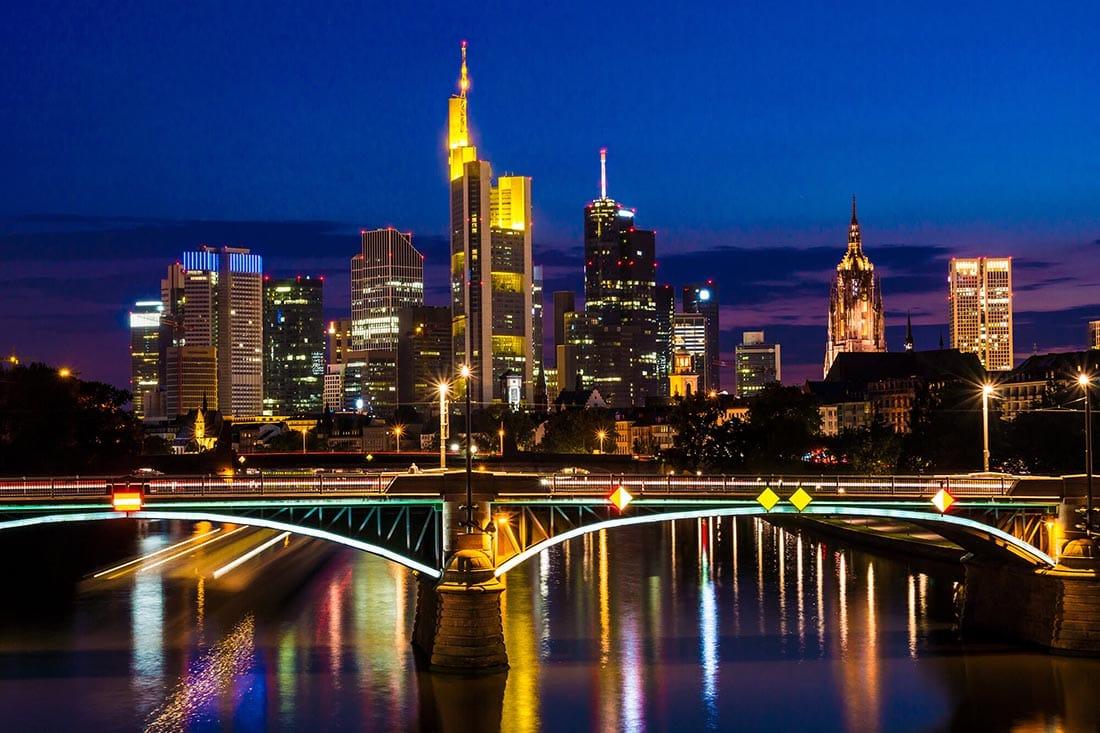 Nachtaufnahme von Frankfurt am Main