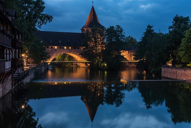 Nachtaufnahme von Nürnberg