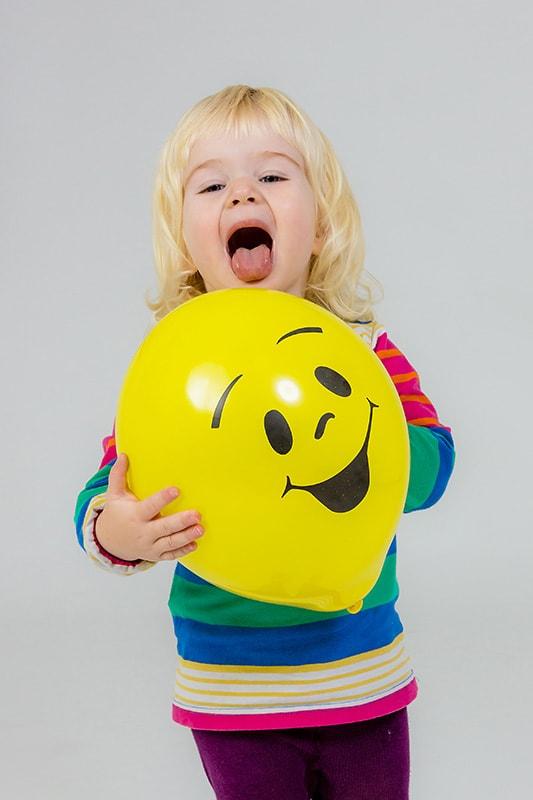 Farbenfrohe, lebendige Kinderfotos