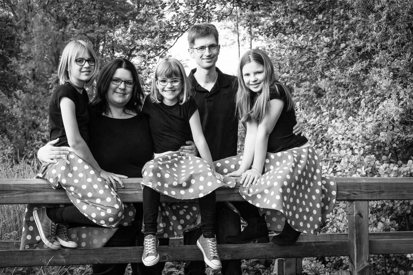 Familienfotografie schwarz-weiß