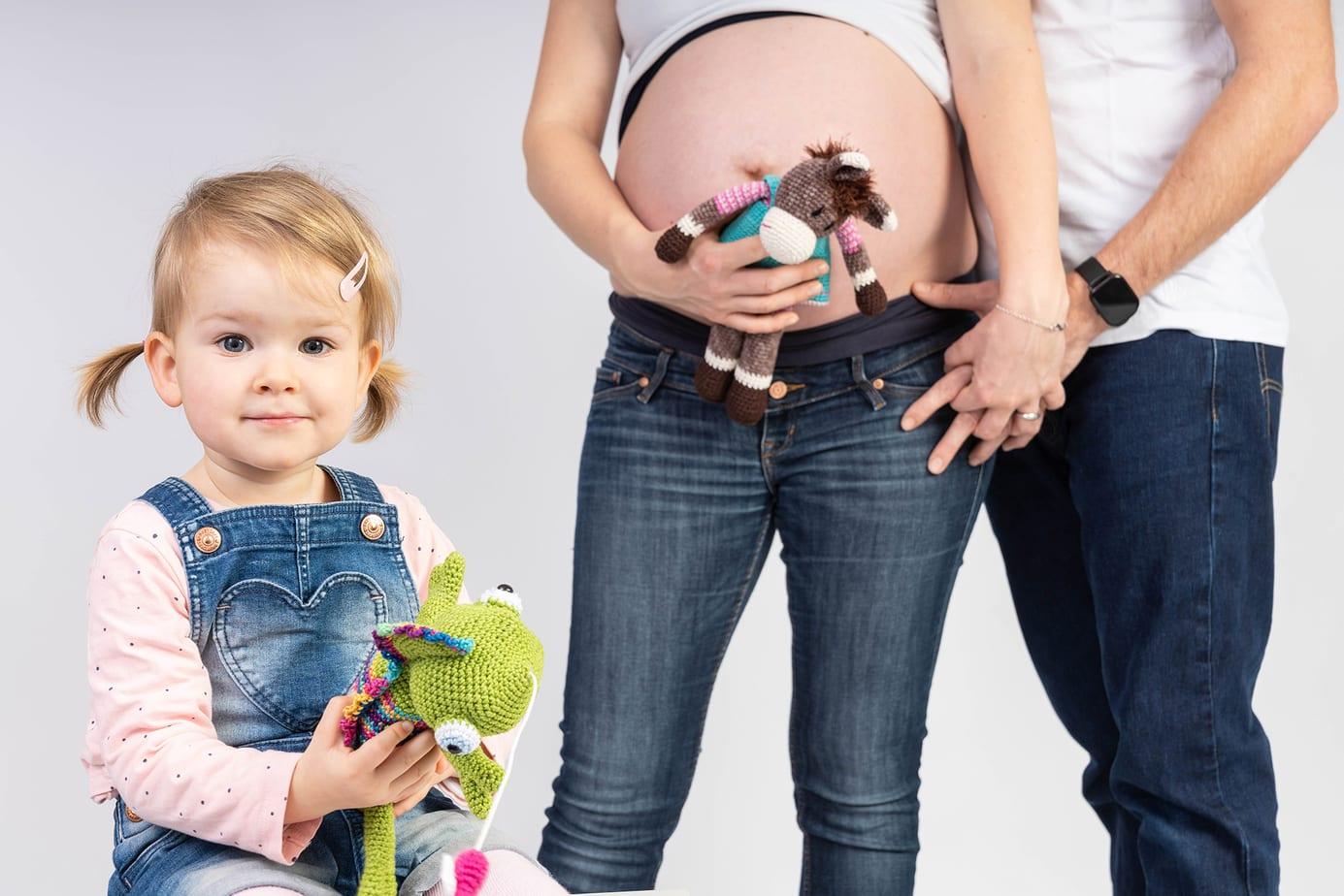 Schwangerschaftsbilder mit Geschwisterkind